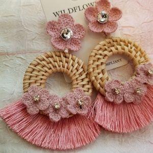 Wild flower🌸 straw earrings